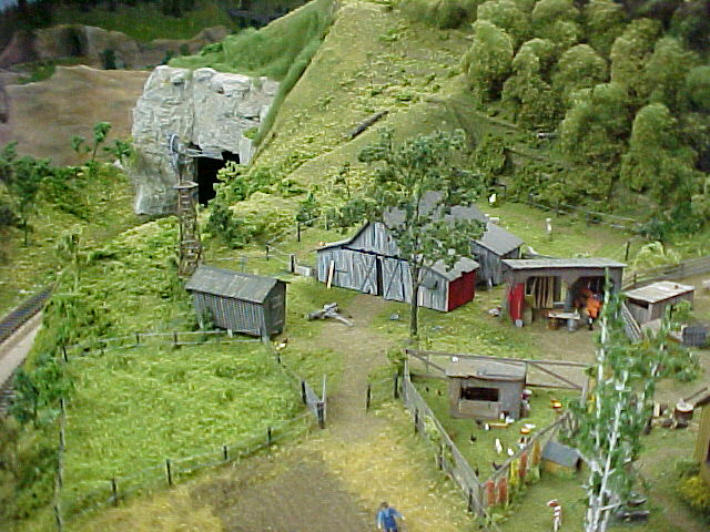 Model railroad photos and information on pinterest model for 1 64 farm layouts