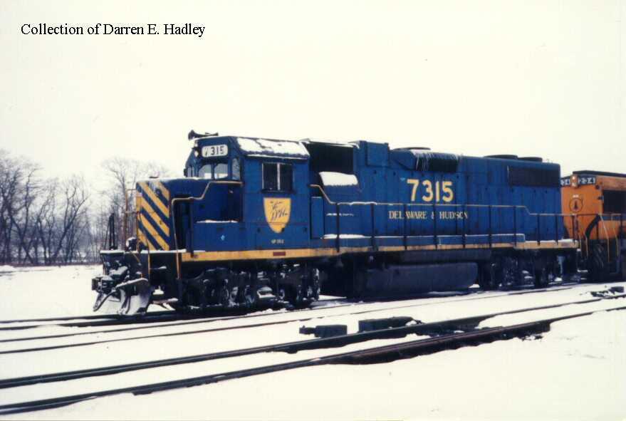 El juego de las imagenes-http://www.trainweb.org/dhvm/images/dhrr_diesel/EMD_GP-38-2/Darren-E-Hadley/7315-01.jpg
