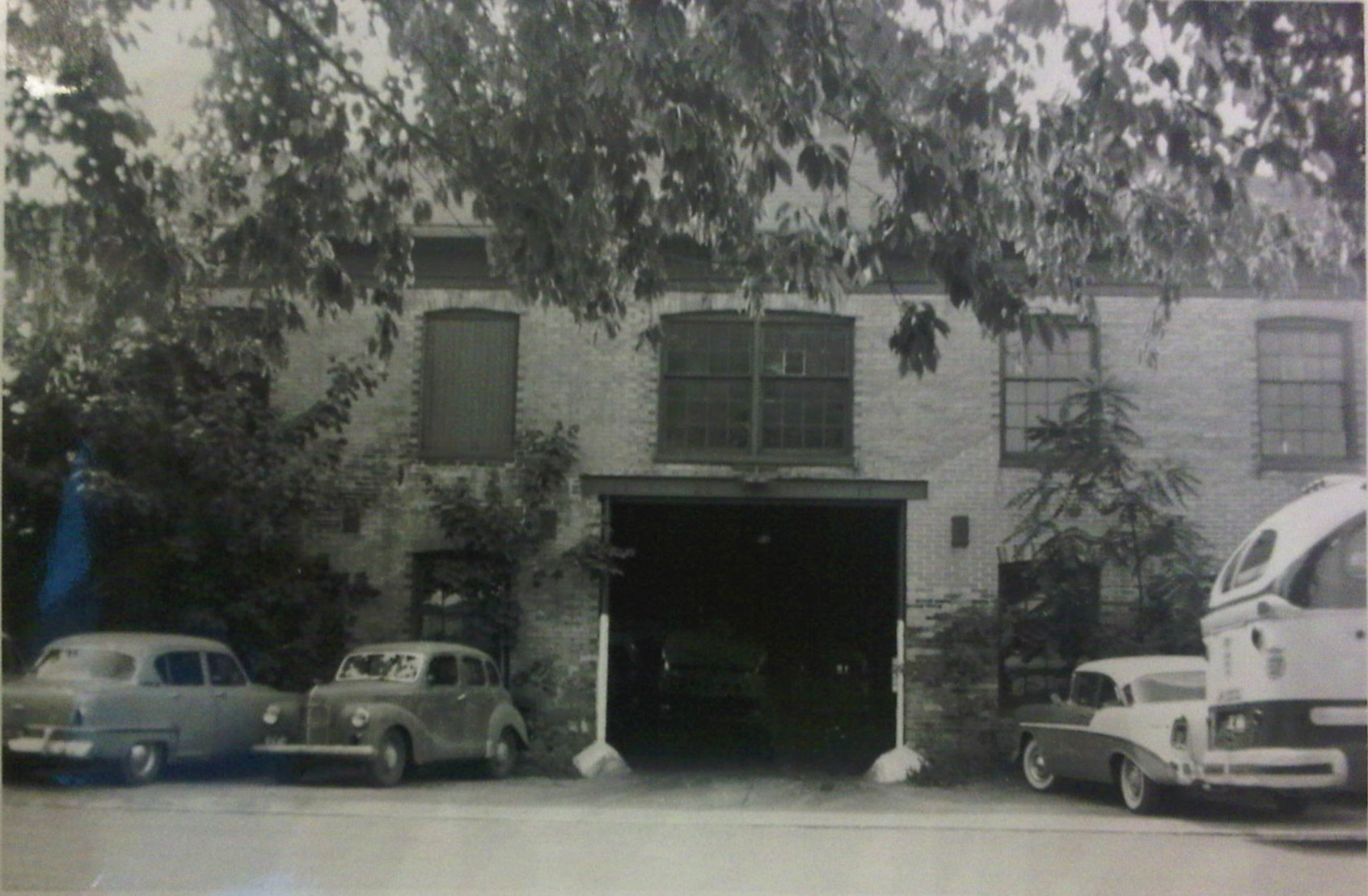 Rear view of the ccl galt garage summer 1959 for Due bay garage