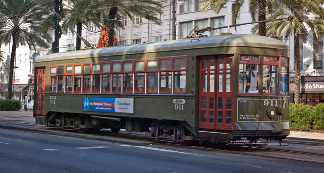 New Orleans Street Cars: APerley Thomas Streetcarturns Around On Canal Street