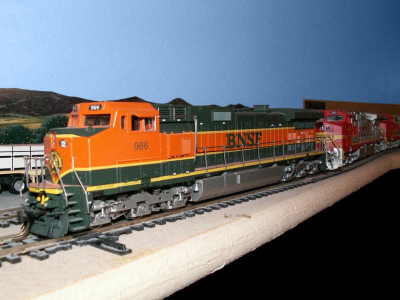 http://www.trainweb.org/lonewolfsantafe/bnsf986.jpg