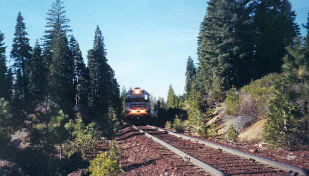 Mt Shasta Ca >> Pierce, CA, 11/2002. The #36 crests the top of the hill at ...
