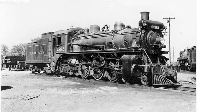 G2s Class 2582 With Standard Size Tender Three Years
