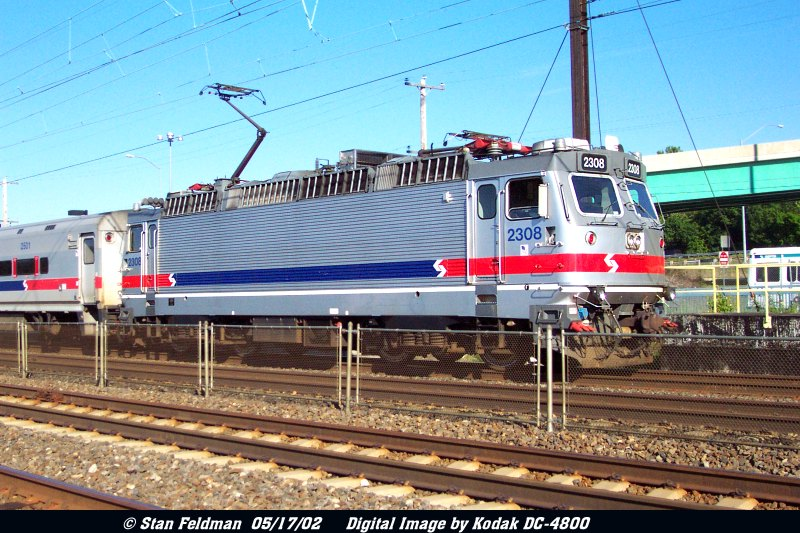 http://www.trainweb.org/railpix/septapx/DCP_3336-Septa2308-CH-5-14-02.jpg