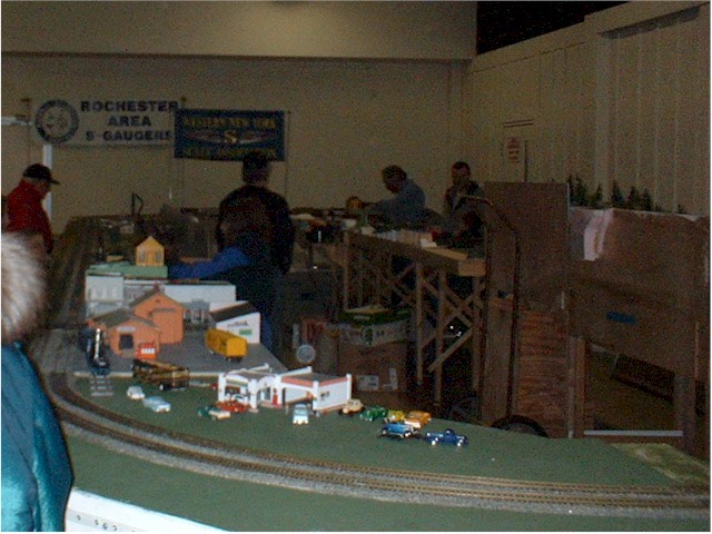 Gas station with 1 64th scale model automobiles
