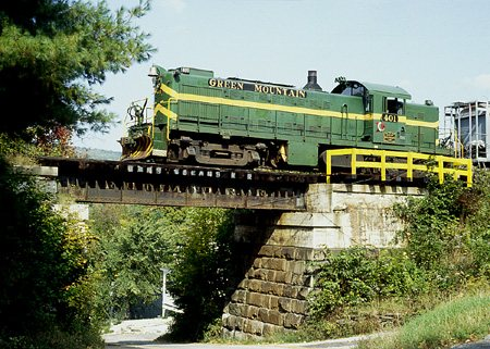 Green Mountain Rs1 401 North On Xr1 Passes Over A Bridge