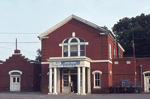 amtrak has been using charlottesville union station since