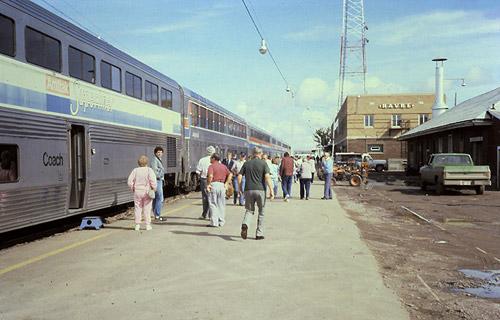 Amtrak havre mt hav amtrak empire builder train at havre station september 1986 sciox Choice Image